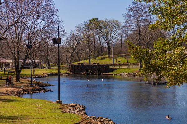 Helen Keller 170303-Spring-Park-Tuscumbias