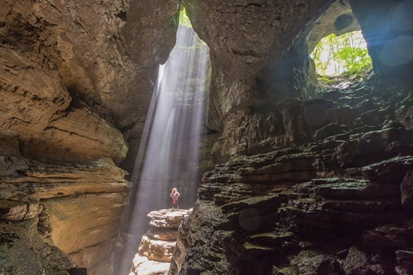 170609 Kim in Stephens Gap Cave _MG_9851